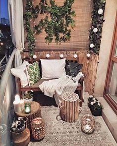 DIY Home Decoration – Trash to Treasure Projects Ideas Small Balcony Design, Small Balcony Decor, Balcony Ideas, Balcony Decoration, Glass Balcony, Balcony Garden, Modern Balcony, Small Patio, Patio Ideas