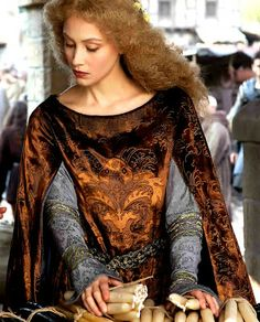 I didn't care for all of the costumes in the World Without End miniseries, but a couple did stand out.  The character of Phillipa (played by Sarah Gadon) had some amazing pieces.