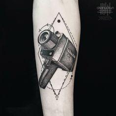 Inspirado pela natureza e formas geométricas, Okan Uckun cria tatuagens…