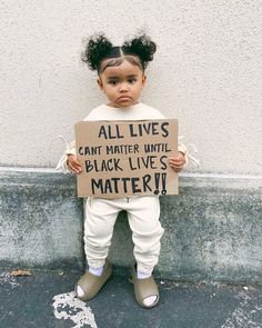 𝐒í𝐞𝐧𝐚 𝐏𝐫𝐞𝐬𝐥𝐞𝐲 𝐒𝗺𝐢𝐭𝐡 (@sienapresley) • Instagram photos and videos Presley Smith, Protest Signs, Black History Facts, Power To The People, Black Power, Black Is Beautiful, Beautiful Kids, Beautiful Things, Beautiful People
