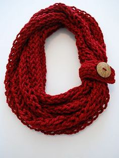 crochet & finger knit infinity scarf. This would make a good christmas gift