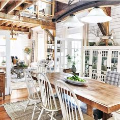 50 Creative Farmhouse Design Ideas For Interior Modern Farmhouse Kitchens, Farmhouse Homes, Farmhouse Chic, Rustic Homes, Farmhouse Style Decorating, Farmhouse Design, Great Rooms, Sweet Home, New Homes