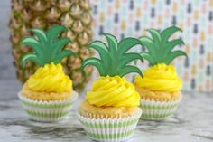 These easy crushed pineapple cupcakes require just two ingredients including REAL pineapple! Use our free printable toppers for the perfect finishing touch! Pineapple Cupcakes, Pineapple Top, Crushed Pineapple, Piping Frosting, Cupcake Frosting, Cupcake Cakes, Cupcake Mix, Mini Cupcakes, Cupcake Ideas