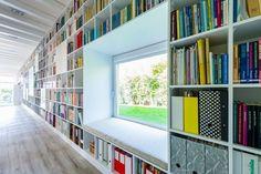 Casa com livros (Foto: Levente Sirokai / Divulgação)