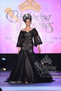 Binibining Pilipinas 17 Brenna Cassandra S. Modern Filipiniana Gown, Filipino Wedding, Filipino Fashion, Formal Wear, Formal Dresses, Long Dress Design, Elegant Gown, Gowns Of Elegance, Entourage