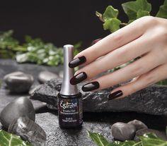 #Unghie in smalto gel #semipermanente viola scuro firmate #Estrosa #nail #nailart #unghie