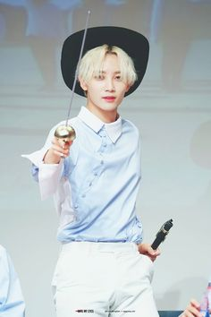 Jeonghan manages to look good in EVERY concept what kinda witchcraft #seventeen