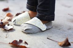 Homemade Toast: TOMS-inspired Baby and Toddler Shoes - Free Pattern and Tutorial- wouldn't these be cute with hand dyed fabric!?