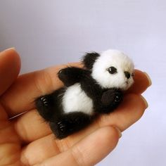 Miniature PANDA PATTERN PDF , make a bear pdf e-pattern, pattern for mini teddy bear, easy teddy bear pattern, cute micro panda tutorials Tiny Panda, Niedlicher Panda, Cute Panda, Cute Baby Animals, Funny Animals, Wild Animals, Kawai Japan, Mini Teddy Bears, Cute Babies