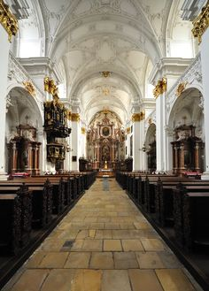 The old cathedral, Linz (Austria, 1669 - 1678, architect: Pietro Francesco Carlone)