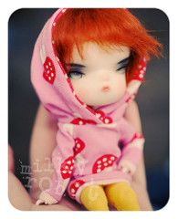 Torn on which wig! (Runs for Coffee) Tags: winter person 4 limited secretdoll