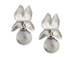 Aretes en oro blanco 14K, Perlas del Mar de Cortez® y diamantes.