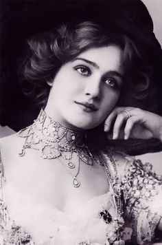 Lily elsie, popular english actress and singer during the edwardian era, best known for her starring role in the hit london premiere of franz lehár's Lily Elsie, Belle Epoque, Michaela Bercu, Blake Edwards, Merry Widow, Gibson Girl, English Actresses, Edwardian Era, Grace Kelly