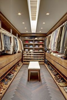 Fantastic luxury closets for your Master Bedroom. Schlafzimmer 14 Walk In Closet Designs For Luxury Homes Walk In Closet Design, Bedroom Closet Design, Master Bedroom Closet, Closet Designs, Bedroom Decor, Wardrobe Design, Small Walk In Closet Ideas, Closet Rooms, Bedroom Closets