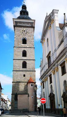 Nur ein Katzensprung von Linz entfernt :-) Tower, Building, Travel, Day Trips, Linz, Old Town, Explore, Rook, Viajes