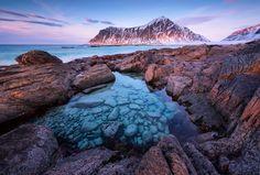 Magical tidal pool at Lofoten islands Norway [OC] [2300x1553] felizuko http://ift.tt/2klUrPO October 04 2017 at 02:56AMon reddit.com/r/ EarthPorn