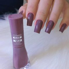 Enamels: Gray Vinyl by Dailus Art: . Want to impress your customers by making perfect nails . Classy Nails, Stylish Nails, Dream Nails, Love Nails, Pretty Nail Colors, Pretty Nails, Nail Paint Shades, Metallic Nails, Best Acrylic Nails