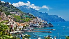 Amalfi Coast Tours in south of Italy by locals. Discover the Amalfi Coast with us by visiting places like Amalfi, Ravello, Capri, Positano. Positano, Cinque Terre, Italy Travel, Travel Usa, Travel News, Air Travel, Greece Travel, Travel Hacks, Luxury Travel