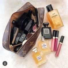Happy Friday One of the best purchases of 20 - Chanel Skincare - Ideas of Chanel Skincare - Good morning beauties! Happy Friday One of the best purchases of 2017 is my vintage LV Trousse This cosmetic bag is over 20 years Chanel Handbags, Louis Vuitton Handbags, Louis Vuitton Makeup Bag, Vuitton Bag, Tote Handbags, Chanel Bags, Designer Handbags, Coco Chanel, Skin Makeup