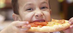 Alimentos que debes evitar en la cena de tu hijo