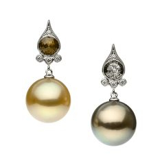 AUTORE Venezia earrings in white gold, with South Sea pearls and Tahitian South Sea pearls and rustic and white diamonds. JE0410005 Venezia Collection An elegant and refined jewellery range inspired by the romance and artistic expression of Venice. Featuring rose cut diamonds, micro settings and miligrain, Venezia blends ornate architectural detail with the subtle seasonal colours reflected in the waters of the canals which accent a city that has inspired dreams for hundreds of years.
