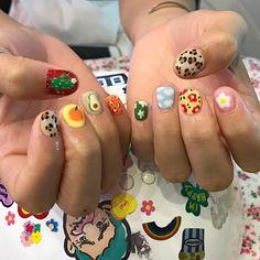 color tip nails Nail Design Stiletto, Nail Design Glitter, Aycrlic Nails, Swag Nails, Hair And Nails, Grunge Nails, Bling Nails, Nail Polish, Minimalist Nails