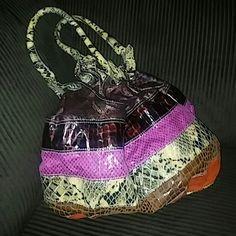 Aldo cute purse Multi-colored Aldo cute purse great condition can wear with many different colors. ALDO Bags Shoulder Bags