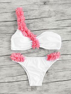 Shop Contrast Flower Embellished One Shoulder Bikini Set online. SheIn offers Contrast Flower Embellished One Shoulder Bikini Set & more to fit your fashionable needs.