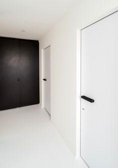 design deuren met een onzichtbaar kozijn