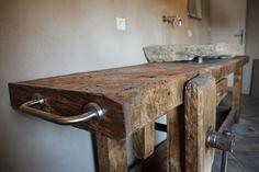Le râtelier | 'Établi de salle de bain'
