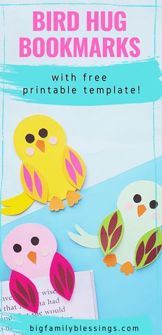 Make summer time reading more fun with these adorable bird hug bookmarks. Simply print out the free printable template, grab some colored paper, scissors, and glue- and get started crafting. Animal crafts for kids  #birdbookmark #printablebookmark Glue Crafts, Easy Crafts, Paper Crafts, Art For Kids, Crafts For Kids, Arts And Crafts, Rainy Day Crafts, Bird Book, Colored Paper