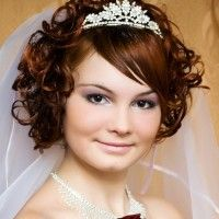 Short Wedding Hairstyles With Tiara And Veil Awesome Haircuts On Hairstyle Hair Ideas Curly Wedding Hair, Long Hair Wedding Styles, Wedding Hairstyles For Long Hair, Vintage Hairstyles, Trendy Hairstyles, Prom Hairstyles, Hairstyle Wedding, Hairstyle Short, Headband Hairstyles