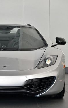 McLaren MP4-12C - The ONE car you need this summer! SupercarSunday