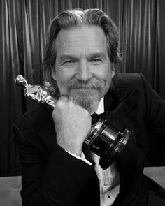 Jeff Bridges finally wins for Crazy Heart ~