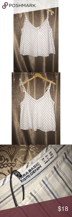 Zara Basic Crop Top Striped V-Neck Size Large Brand new, tags attached. Zara Basic Crop Top. V-neck. Made in Turkey. 80% cotton 20% linen. Ties on top of the sleeves. Zara Tops Crop Tops