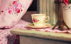 bedside-eiffel-tower-cup-tea-flowers-hd-wallpaper background uhd 2k 4k 5k 2015 2016 tablet phone mobile pc computer Food Hosting