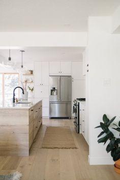 Outdoor Kitchen Cabinets, Kitchen Dining, Kitchen Decor, Ikea Kitchen Design, Island Kitchen, Layout Design, Küchen Design, Before After Kitchen, Ikea Cabinets