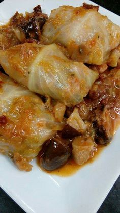 ROLLITOS DE COL RELLENOS DE CARNE EN SALSA CON SETAS CBF@ Pork, Cooking Recipes, Yummy Food, Meat, Chicken, Blog, Quiche, Diabetes, Stuffed Cabbage Recipes