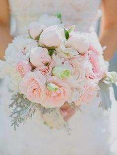 Awesome wedding bouquet for summer wedding.  #weddingbouquet  Repin by Inweddingdress.com