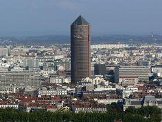 vue de Lyon   panorama des quais du Rhône et la tour de la Part Dieu