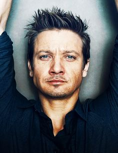 Jeremy Renner // more than meets the eye... Well what meets the eye is pretty satisfying