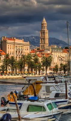 Split-Croatia - Bem passear por cidades numa noite assim de sábado é sempre gostoso, mesmo sozinho...