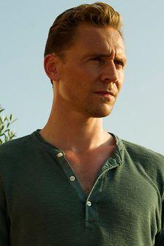 Resultado de imagem para tom Hiddleston the night manager