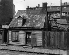 Early century photos provide view of life in Montreal's Griffintown Old Montreal, Montreal Quebec, Montreal Canada, Forever Travel, Old Quebec, Architecture, Rue, Around The Worlds, Places
