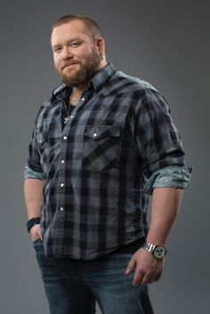 """I checked the definition of """"stud"""" in the dictionary, and I .- I checked the definition of """"stud"""" in the dictionary, and I saw this photo. Very accurate. Chubby Men Fashion, Mens Plus Size Fashion, Large Men Fashion, Mens Fashion, Outfits For Big Men, Scruffy Men, Plus Size Men, Beefy Men, Big Guys"""