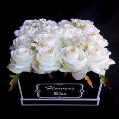 Flower box białe róże