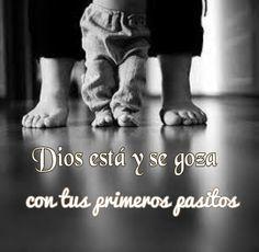 """✏ """"Un gran #hombre demuestra su #grandeza por la forma en que #valora las pequeñas cosas"""" ✏ Nunca #menosprecies las cosas #pequeñas. #Dios está contigo en todos tus #pasos, sean grandes o pequeños... pero segura estoy que se goza más, con tus primeros pasitos ; esos que son tan #frágiles que cuesta asegurar que son pasos. ✏Nuestra #actitud es menospreciar las pequeñeces: →Los pequeños #comienzos →Lo pequeño que es mi sueldo →Nos desanimamos por lo poco que tenemos → La poca la…"""