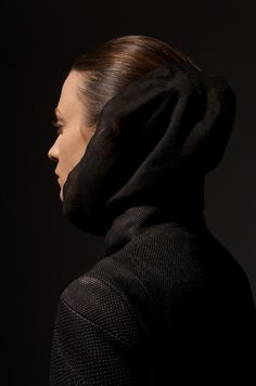 YOHAN SERFATY, AW09: shoulder construction and then the obvious need for head-cocoon.