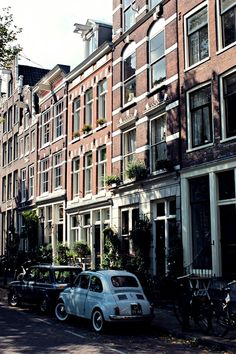De Jordaan, Amsterdam | The Netherlands    Photo taken by me (travelingcolors)