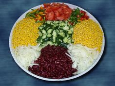The eye eats with: 51 creative ideas for cold plates - New Decoration ideas German Salads, Salad Presentation, Crudite, Party Buffet, Food Design, Finger Foods, Gourmet Recipes, Cobb Salad, Tapas